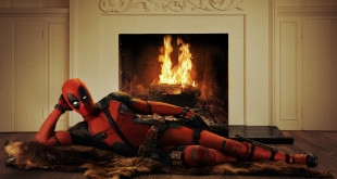 Ryan-Reynolds-Official-Deadpool-Movie-Costume-First-Look