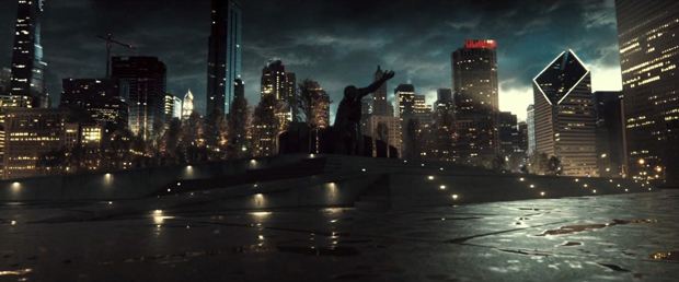 Batman-V-Superman-Trailer-Metropolis-Statue
