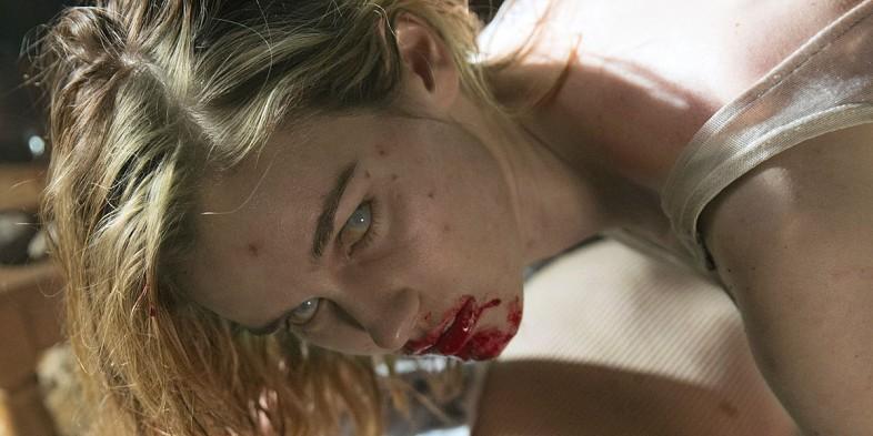 Lexi-Johnson-in-Fear-the-Walking-Dead-Season-1-Episode-1