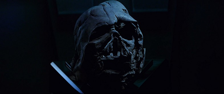 Star-Wars-7-Trailer-3-Darth-Vader-Helmet