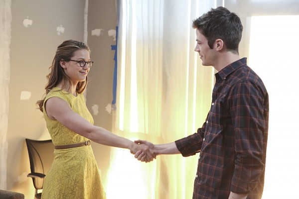 the-flash-supergirl-crossover-worlds-finest-image-1-600x400