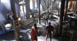 the-flash-supergirl-crossover-worlds-finest-image-11-600x400