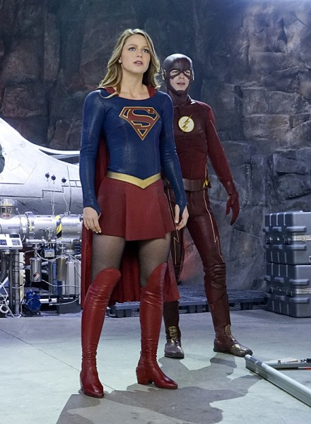 the-flash-supergirl-crossover-worlds-finest-image-9-440x600