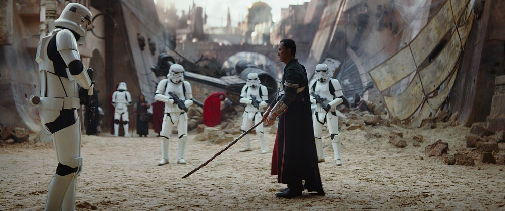 rogue-one-star-wars-trailer-donnie-yen-stormtroopers