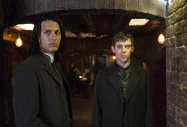 Shazad Latif as Dr. Jekyll and Harry Treadaway as Dr. Victor Frankenstein in Penny Dreadful (season 3, episode 1). - Photo: Jonathan Hession/SHOWTIME - Photo ID: PennyDreadful_301_5234