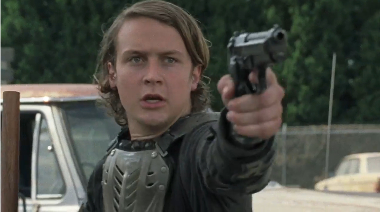 the-walking-dead-season-7-sdcc-trailer---new-character-in-armor-191710