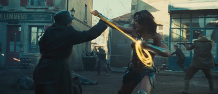 wonder-woman-trailer-screenshots---golden-lasso-191873