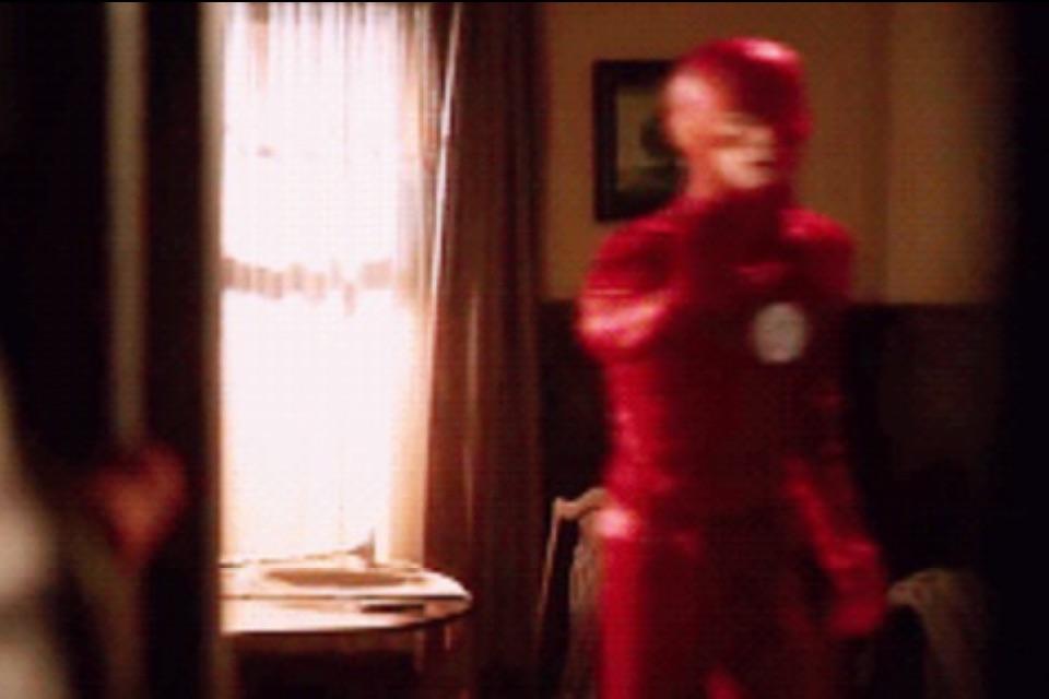 Future-Flash-Barry-Allen-stops-Present-Flash-Barry-Allen-from-saving-his-mom-Nora-Allen