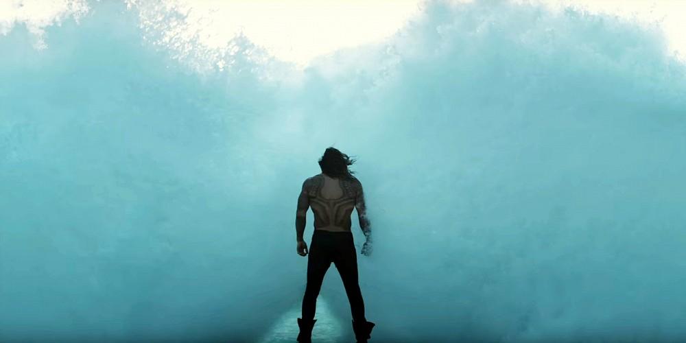 justice-league-trailer-aquaman-back-waves
