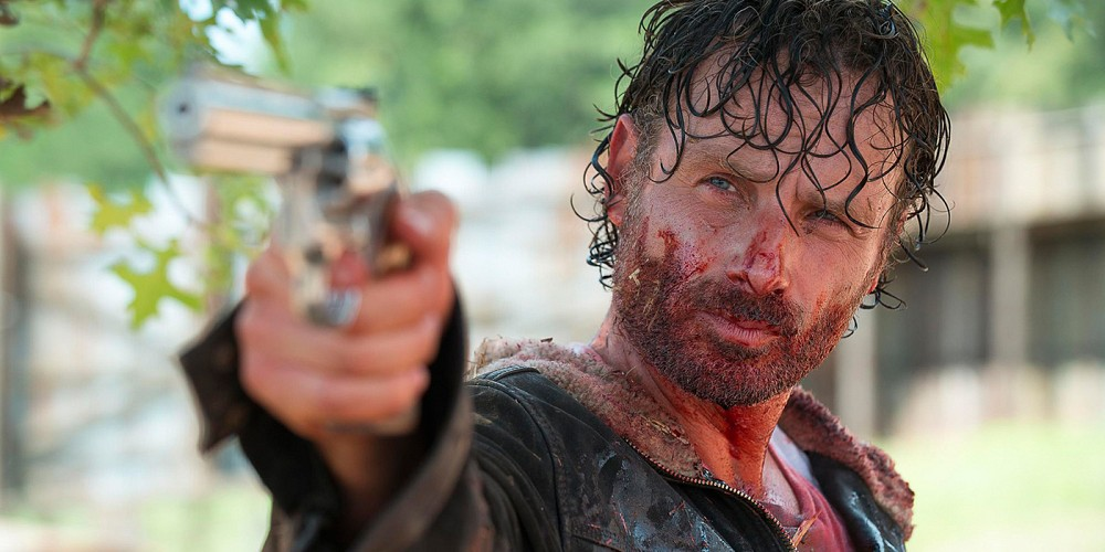 walking-dead-rick-grimes-bloody-gun