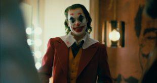 Joker v podaní Joaquina Phoenixa sa pripomína finálnym trailerom